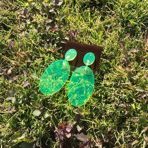 Green oval earrings 🍀